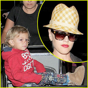 Gwen Stefani: Home For The Holidays