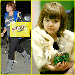Suri Cruise Hits M&M Store