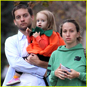 Tobey Maguire Has Two Sweethearts