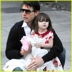 Tom Cruise: Suri Won't Wear Pants!