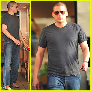 Wentworth Miller Eats Baja Buds