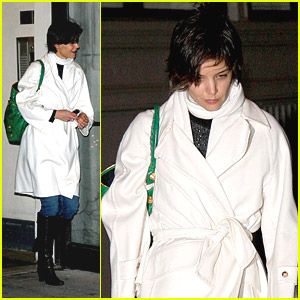 Katie Holmes is a Busy Bee