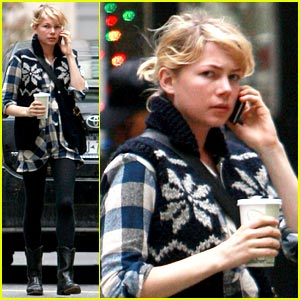 Michelle Williams: Snowflake Sweater Cute