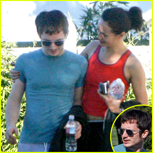 Elijah Wood & Pamela Racine: Workout Buddies