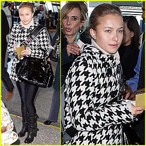 Hayden Panettiere is a Houndstooth Hottie