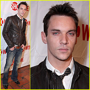 Jonathan Rhys Meyers is a Showtime Stopper