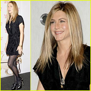 Jennifer Aniston is Cologne Cute
