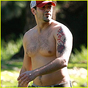 Jesse Metcalfe: Chest Hair Hottie?