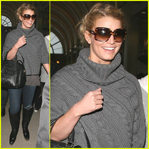 Jessica Simpson Heads Home