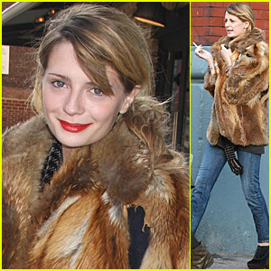 Mischa Barton's NYC Shopping Spree