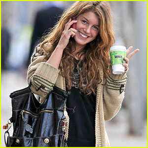 Shenae Grimes: Heartbreaks and Hotels