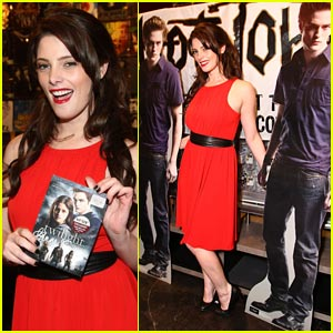 Ashley Greene: Twilight Midnight Madness!