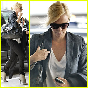 Charlize Theron Is Pining For Paris