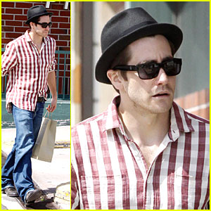 Jake Gyllenhaal is Rad in Plaid
