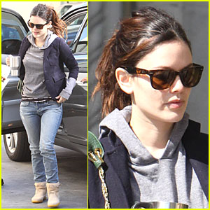 Rachel Bilson Takes Time at the Vine