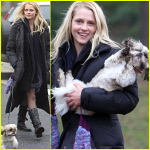 Teresa Palmer has a Dog Day