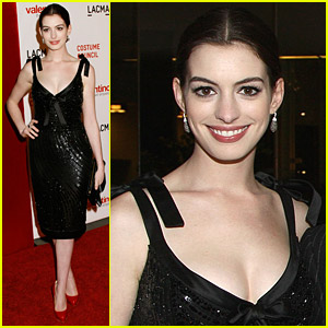 Anne Hathaway Views Valentino