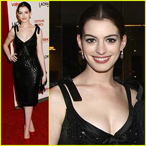 Anne Hathaway Views Valentino