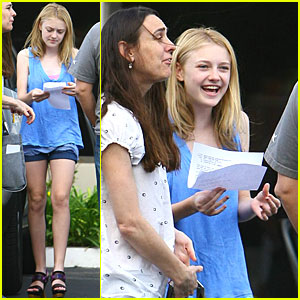 Dakota Fanning Laughs Out Loud