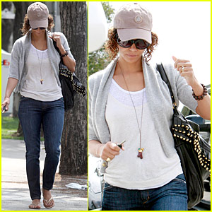 Halle Berry Is A Cap Crusader Halle Berry Just Jared