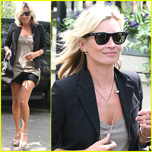 Kate Moss Beats Around the Bush