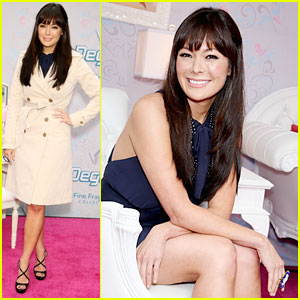 Lindsay Price is a Degree Darling