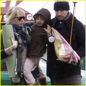 Matilda Ledger Waves To Paparazzi