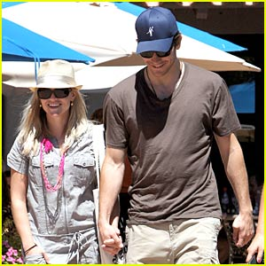 Reese Witherspoon & Jake Gyllenhaal: Coachella Couple