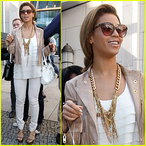 Beyonce is a Brandenburg Gate Girl