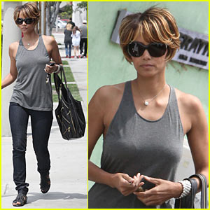 Halle Berry is a Bel Bambini Babe
