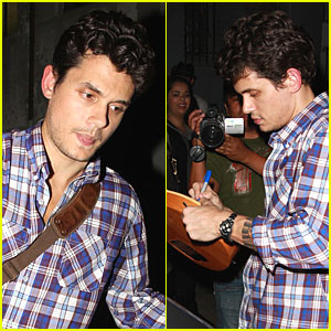 John Mayer Gets Guitar Giddy