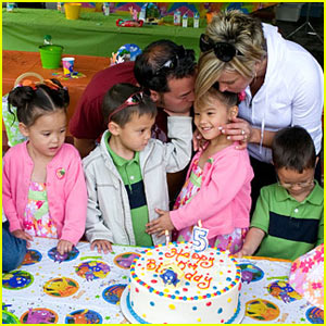 Jon &#038; Kate Plus 8: Sextuplets Birthday Celebration