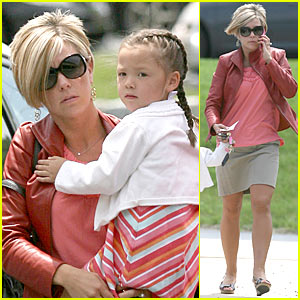 Kate Gosselin: Mommy Dentist Duties!