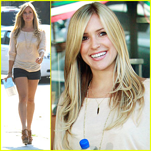 Kristin Cavallari Pinches Tacos on The Hills