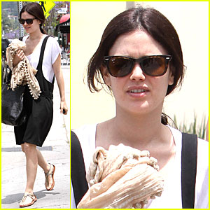 Rachel Bilson Has Jumper Joy