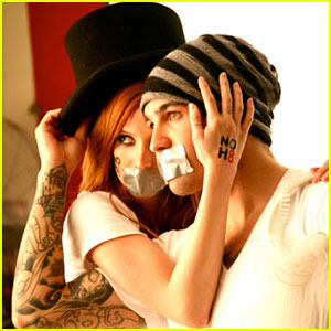 Ashlee Simpson & Pete Wentz: Go Gay Marriage!