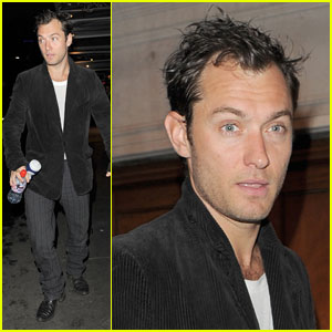 Jude Law is a Hamlet Hunk