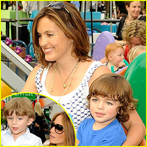 Mariska Hargitay: Baby Buggy Bedtime Bash!