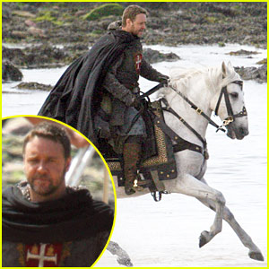 Russell Crowe Rides Onto 'Robin Hood' Set