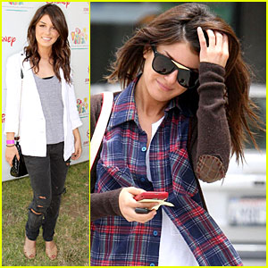 Shenae Grimes: Denim Decorating Booth!