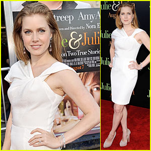 Amy Adams is a Flighty Aphrodite