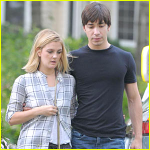 Drew Barrymore & Justin Long Have Sex Every Five Pages