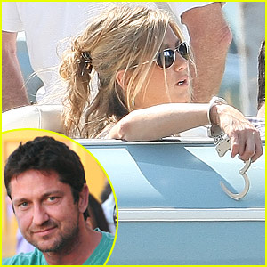 Jennifer Aniston Handcuffs Gerard Butler