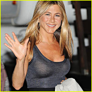 Jennifer Aniston: Cougar? No, Puma!