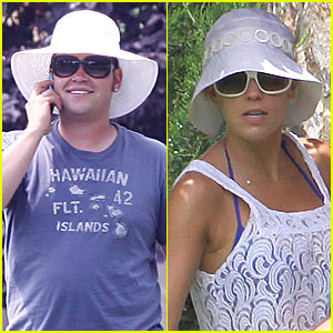Jon Gosselin Sports Big White Floppy Hat