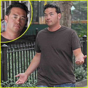 Jon Gosselin is Paparazzi Playful