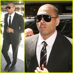 Chris Brown: Sentencing Delayed