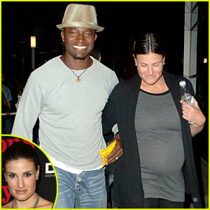 Idina Menzel Is Pregnant 6