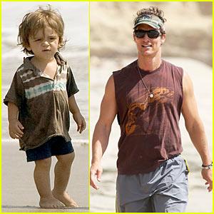 Matthew McConaughey: Levi is a Little Surfer Dude!