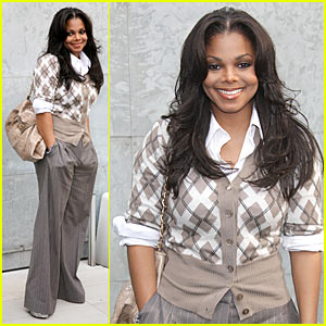 Janet Jackson: Armani at Milan Fashion Week!